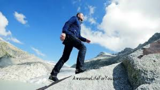 business man climbing up hill, best tips to find employment